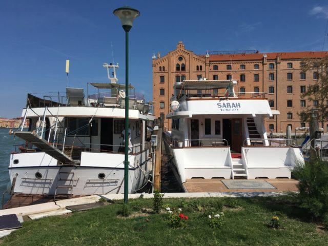 Venezia, dormire a bordo di uno yacht di lusso